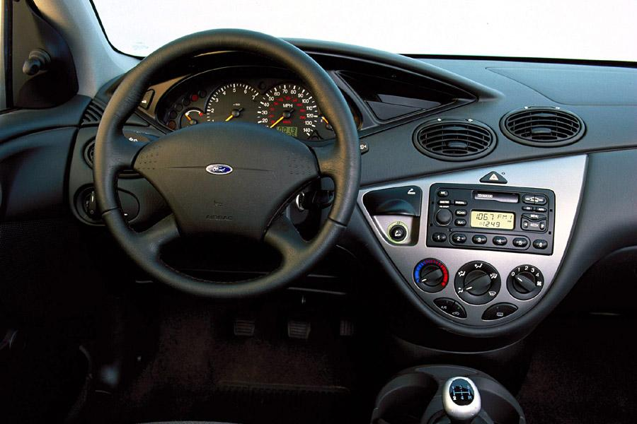 2000 ford focus reviews specs and prices. Black Bedroom Furniture Sets. Home Design Ideas
