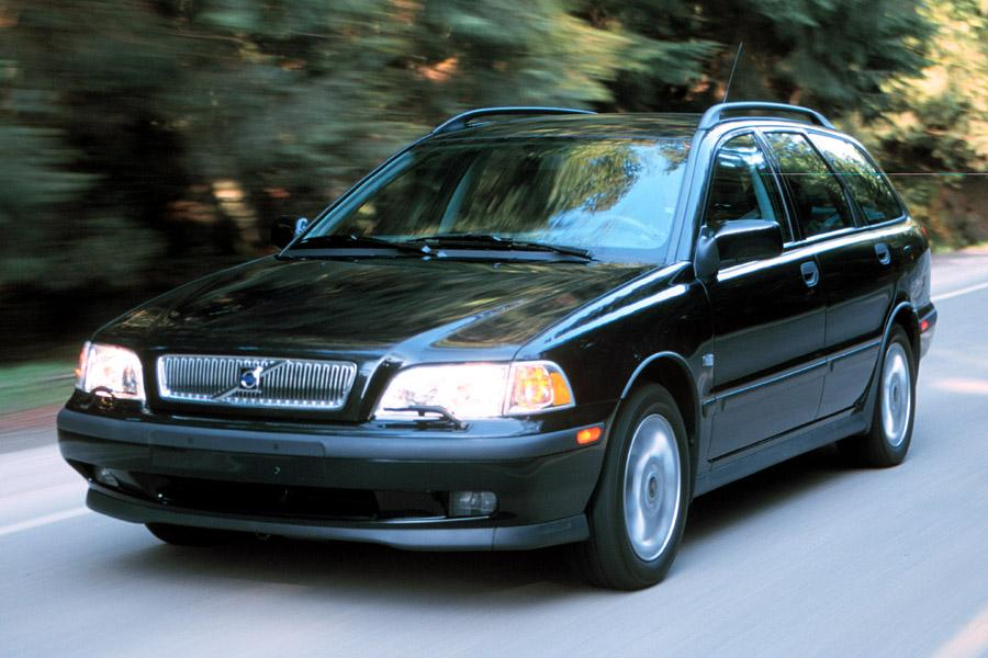 2000 Volvo V40 Specs, Pictures, Trims, Colors || Cars.com