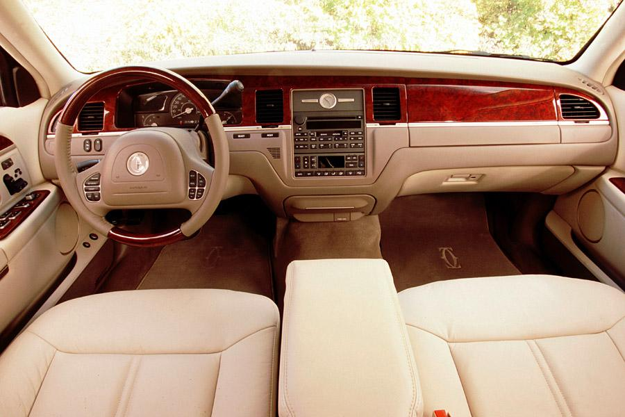 2003 Lincoln Town Car Reviews Specs And Prices Cars Com