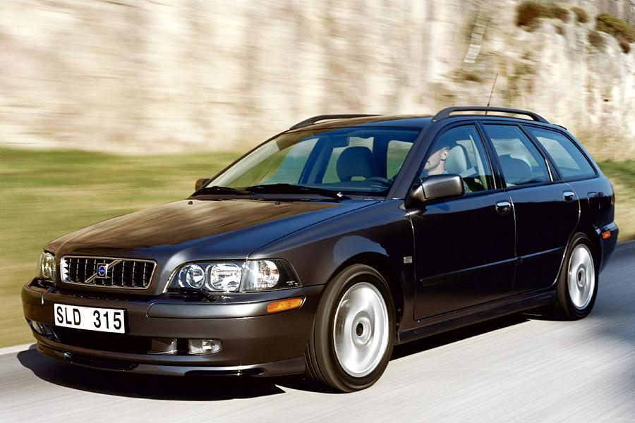 2003 volvo v40 specs pictures trims colors. Black Bedroom Furniture Sets. Home Design Ideas