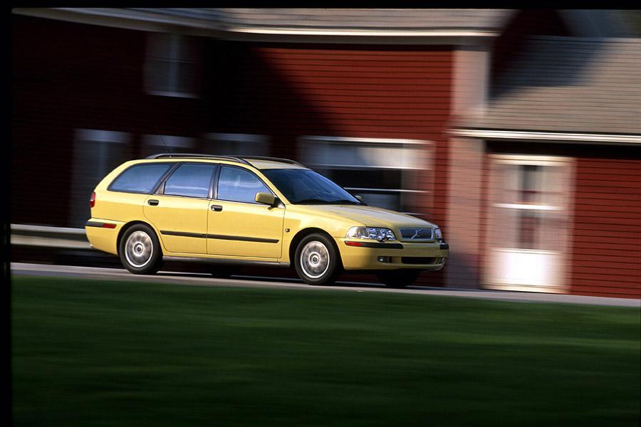 2003 Volvo V40 Reviews, Specs and Prices | Cars.com