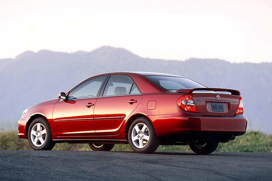 2014 Camry Se For Sale >> 2004 Toyota Camry Reviews, Specs and Prices | Cars.com