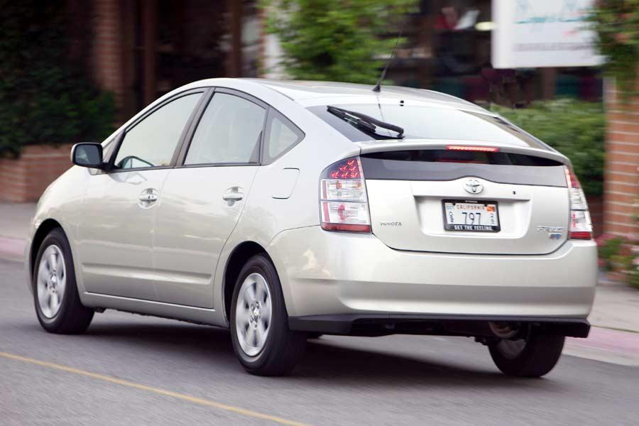 2004 Toyota Prius Specs Pictures Trims Colors Cars Com