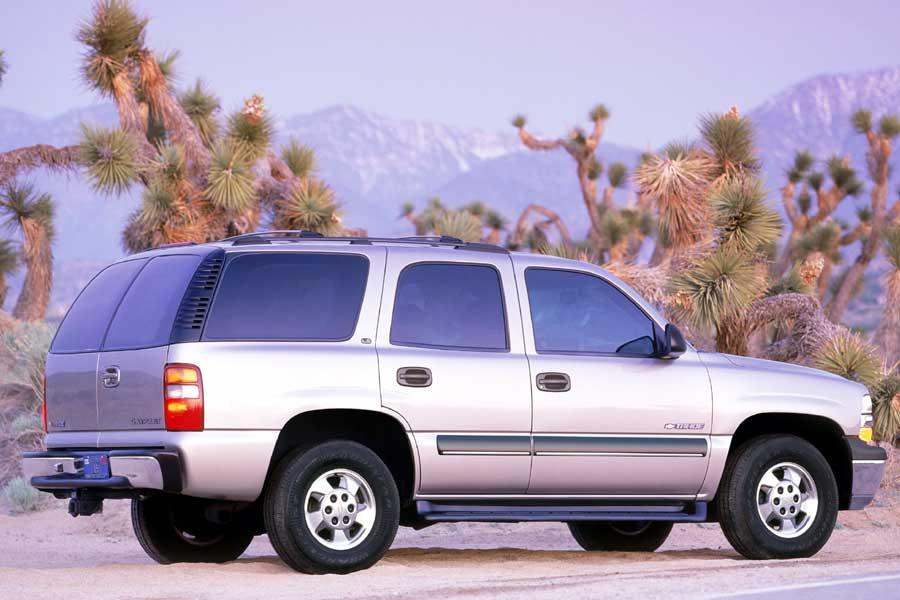 2004 chevrolet tahoe reviews specs and prices. Black Bedroom Furniture Sets. Home Design Ideas