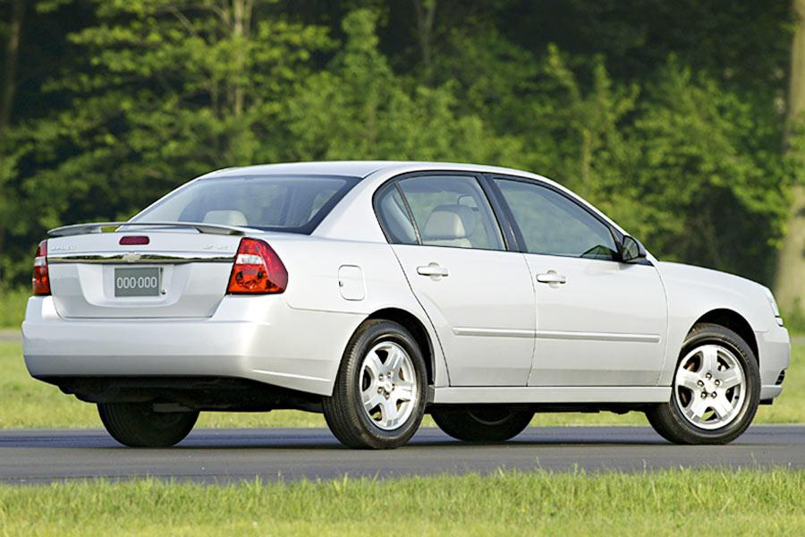 2004 chevrolet malibu reviews specs and prices. Black Bedroom Furniture Sets. Home Design Ideas