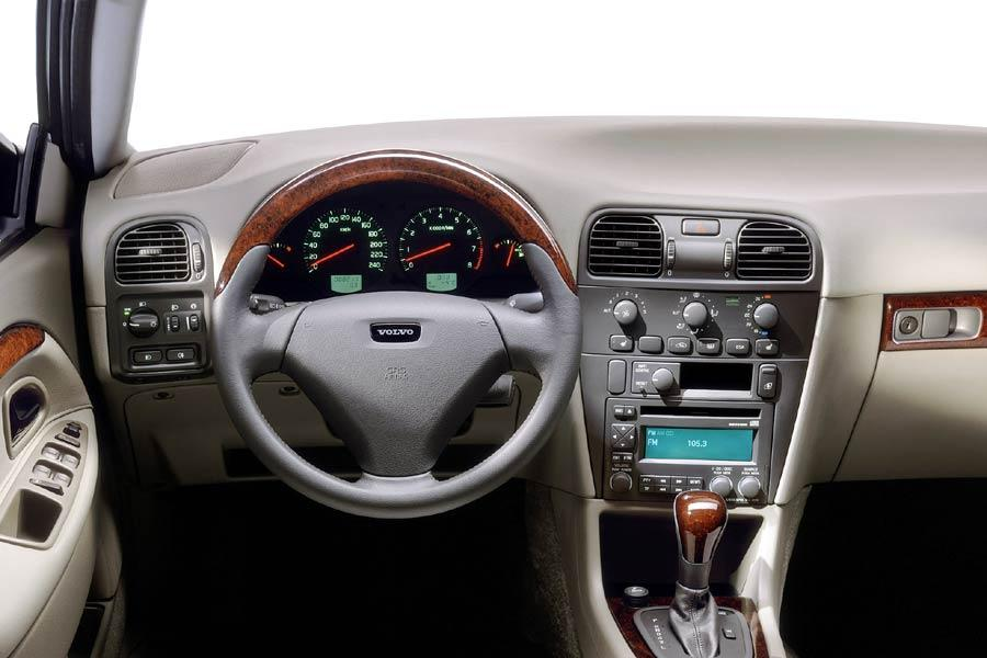 2004 Volvo V40 Reviews, Specs and Prices | Cars.com