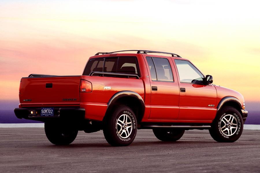 2004 Chevrolet S-10 Reviews, Specs and Prices | Cars.com
