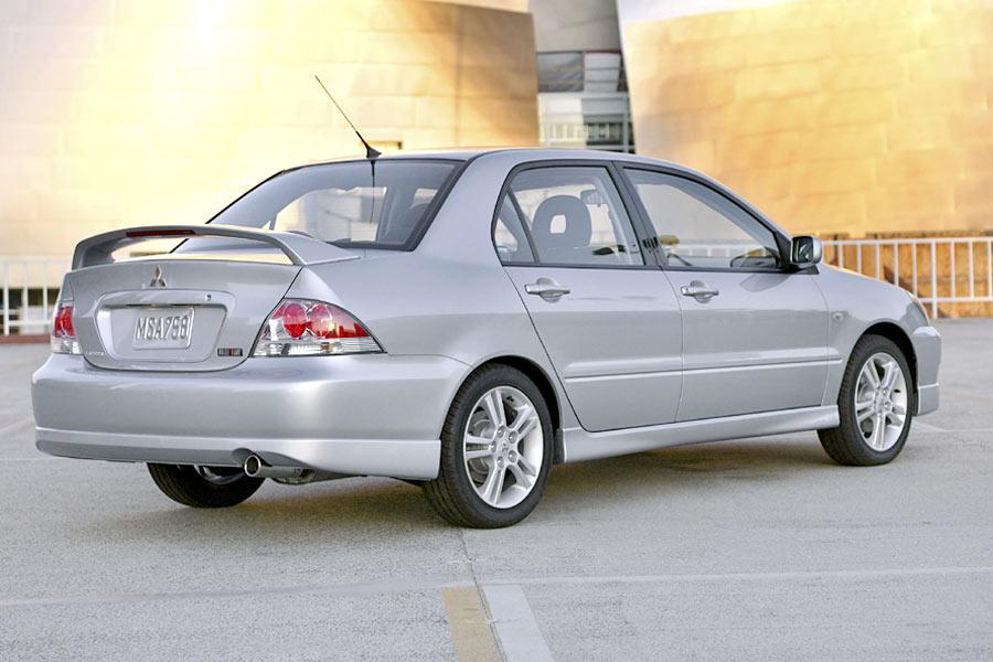 2004 Mitsubishi Lancer Specs, Pictures, Trims, Colors    Cars.com