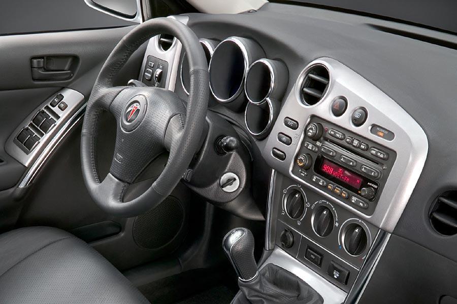 2005 Pontiac Vibe Reviews Specs And Prices Cars Com