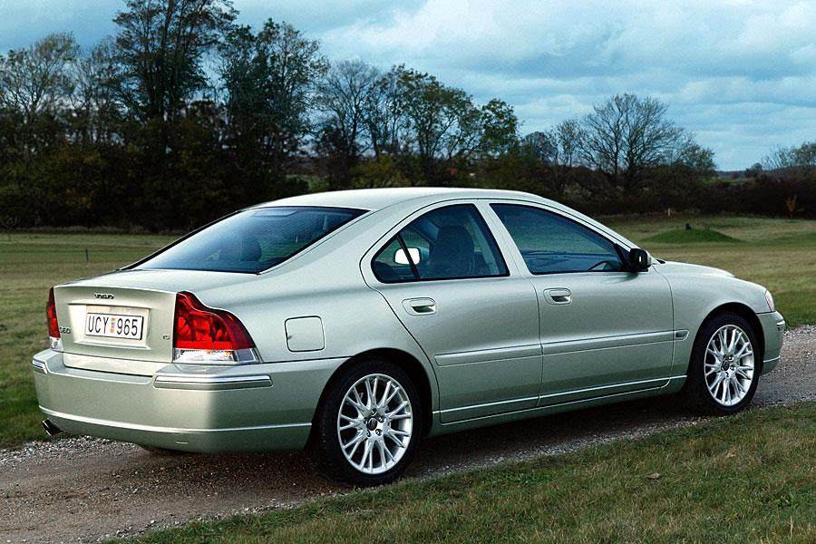 2005 volvo s60 reviews specs and prices. Black Bedroom Furniture Sets. Home Design Ideas