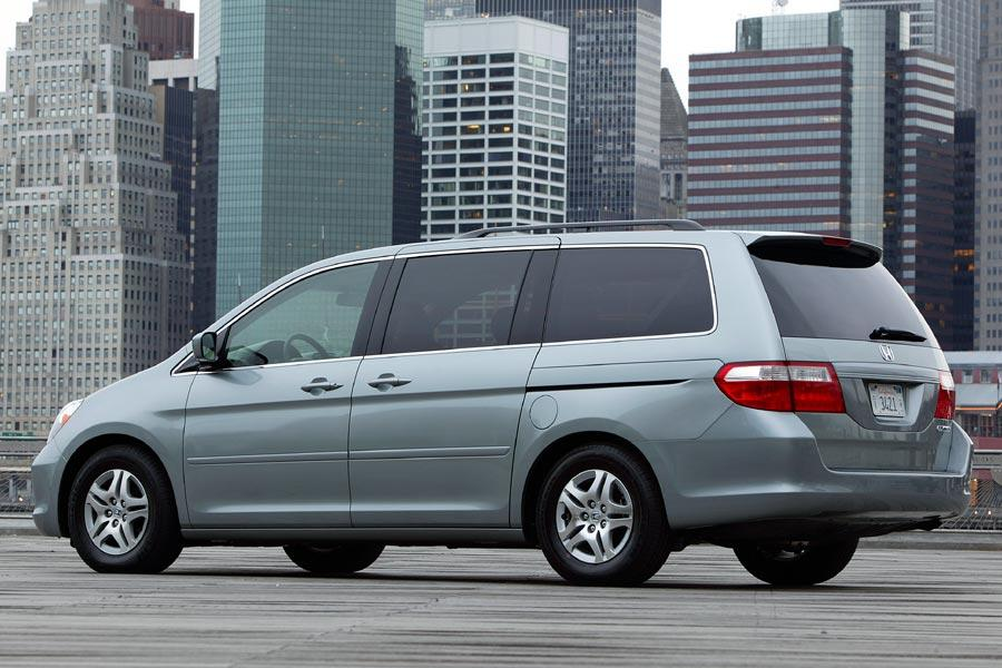 2005 Honda Odyssey Reviews Specs And Prices Cars Com