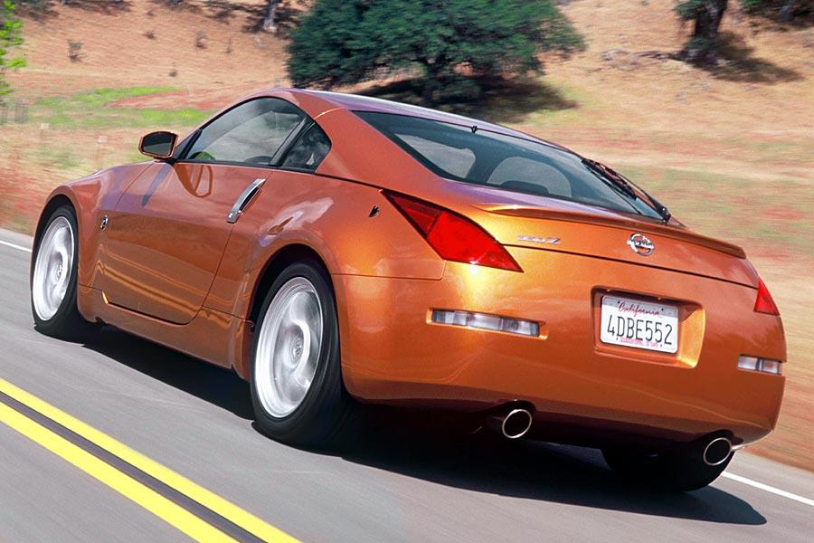 2005 nissan 350z reviews specs and prices. Black Bedroom Furniture Sets. Home Design Ideas