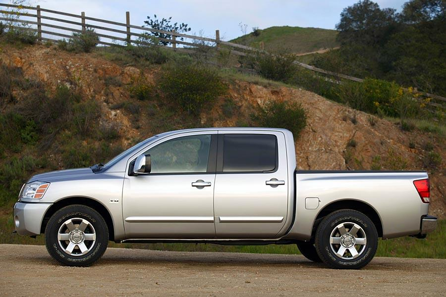 2005 nissan titan reviews specs and prices. Black Bedroom Furniture Sets. Home Design Ideas