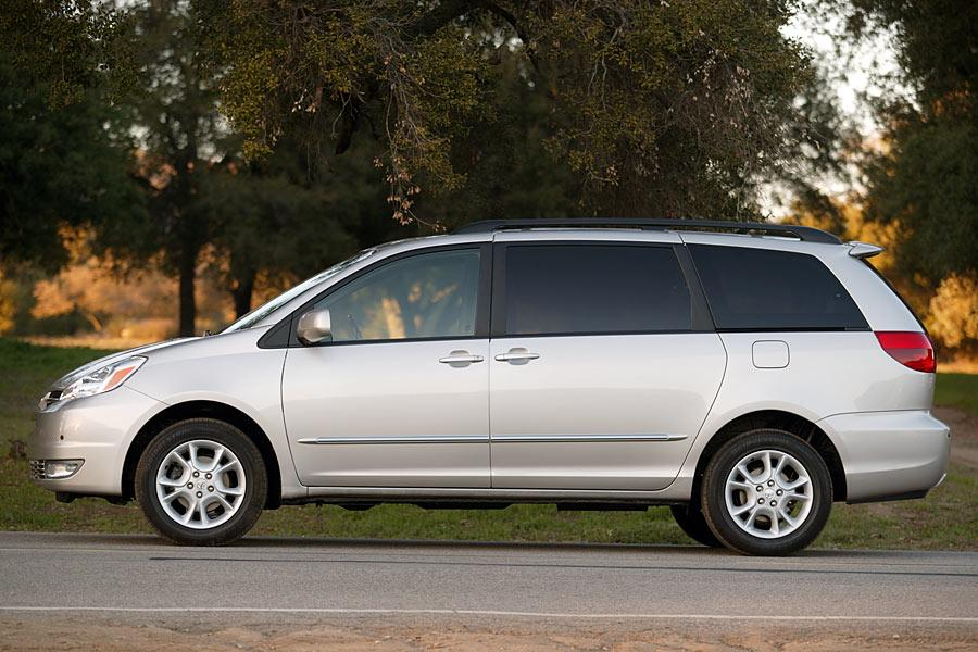 2005 Toyota Sienna Reviews Specs And Prices Cars Com