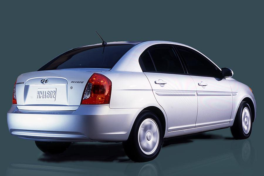 2006 hyundai accent reviews specs and prices. Black Bedroom Furniture Sets. Home Design Ideas