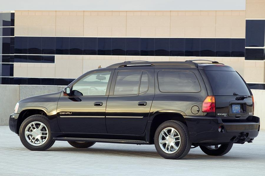 GMC Envoy XL Sport Utility Models Price Specs Reviews  Carscom