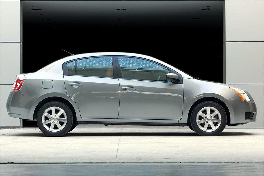 2007 nissan sentra reviews specs and prices. Black Bedroom Furniture Sets. Home Design Ideas