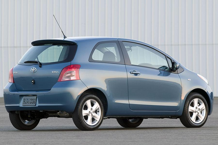 2007 toyota yaris specs pictures trims colors. Black Bedroom Furniture Sets. Home Design Ideas