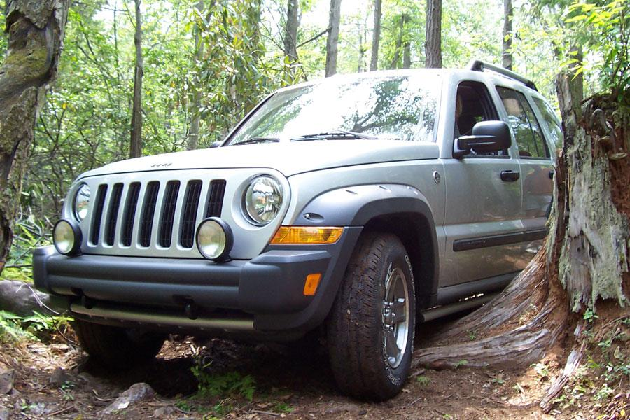 2006 jeep liberty reviews specs and prices. Black Bedroom Furniture Sets. Home Design Ideas