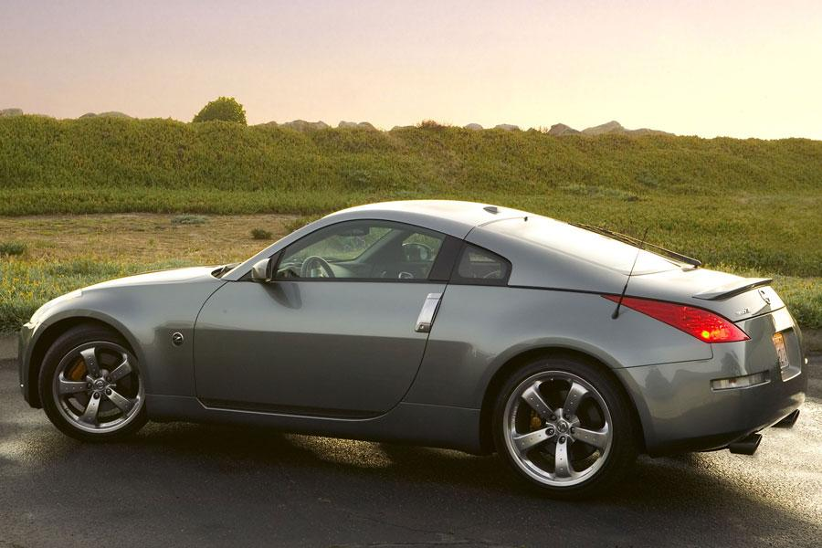 2006 nissan 350z specs pictures trims colors. Black Bedroom Furniture Sets. Home Design Ideas