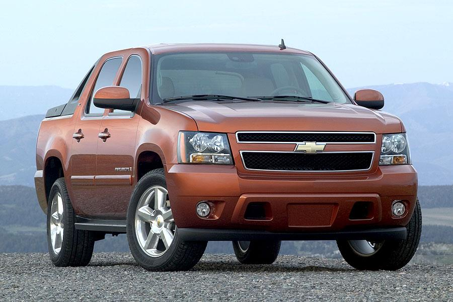 2007 chevrolet avalanche reviews specs and prices. Black Bedroom Furniture Sets. Home Design Ideas