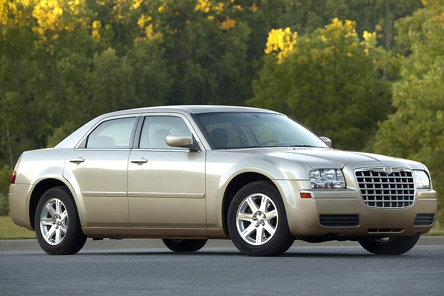 2007 chrysler 300 reviews specs and prices. Black Bedroom Furniture Sets. Home Design Ideas