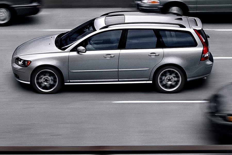 2007 Volvo V50 Specs Pictures Trims Colors Cars Com