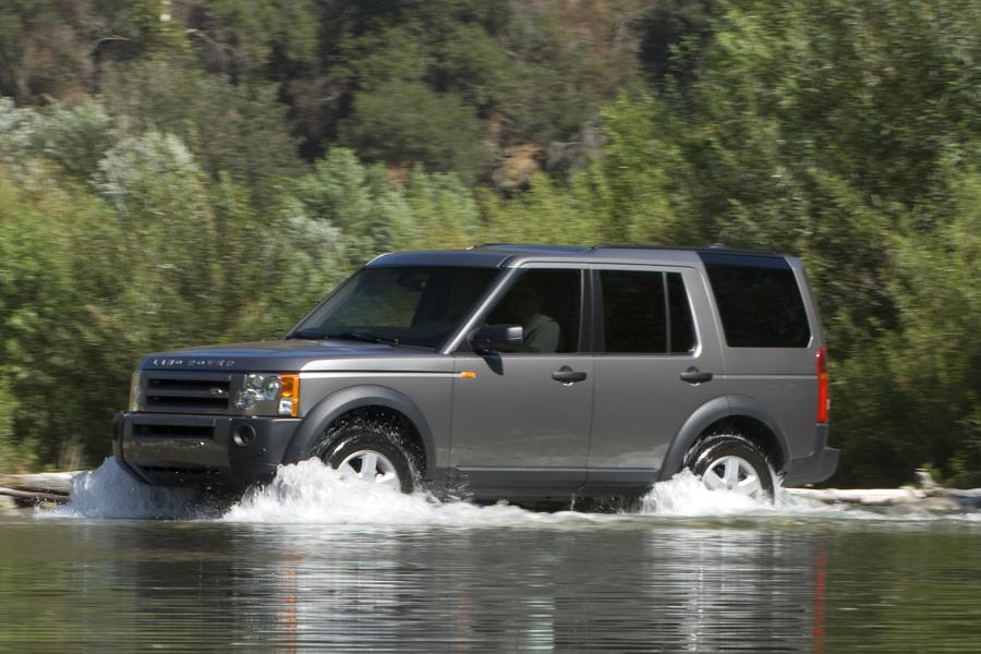 2008 land rover lr3 reviews specs and prices. Black Bedroom Furniture Sets. Home Design Ideas