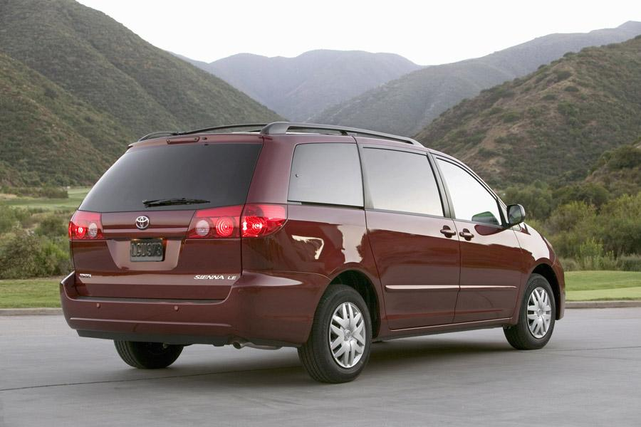2008 Toyota Sienna Specs, Pictures, Trims, Colors || Cars.com