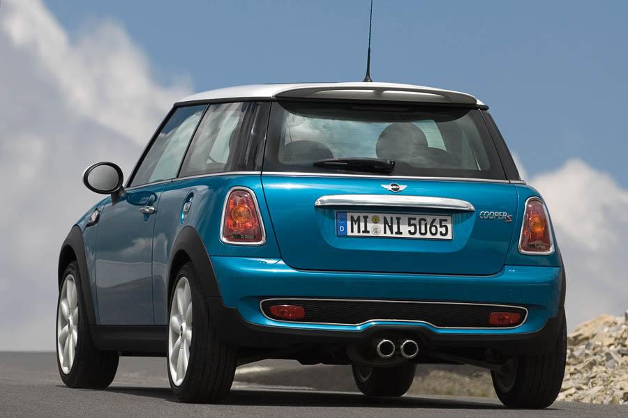 2008 mini cooper s reviews specs and prices. Black Bedroom Furniture Sets. Home Design Ideas