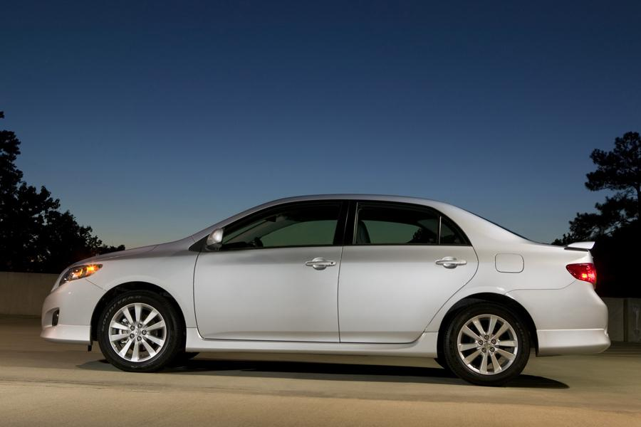 2009 toyota corolla reviews specs and prices. Black Bedroom Furniture Sets. Home Design Ideas