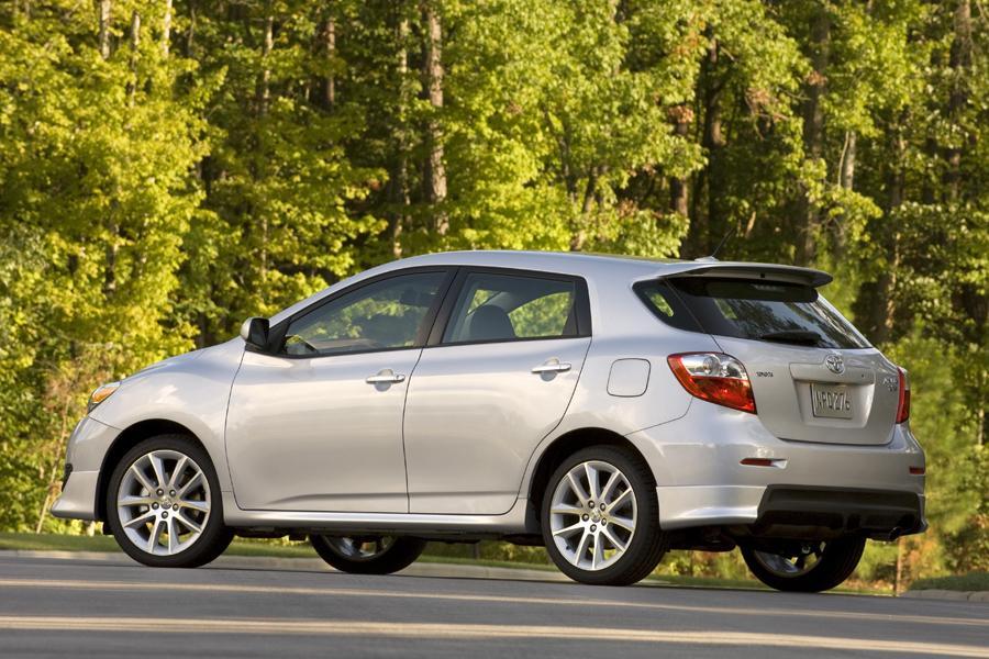 2009 Toyota Matrix Reviews Specs And Prices Cars Com