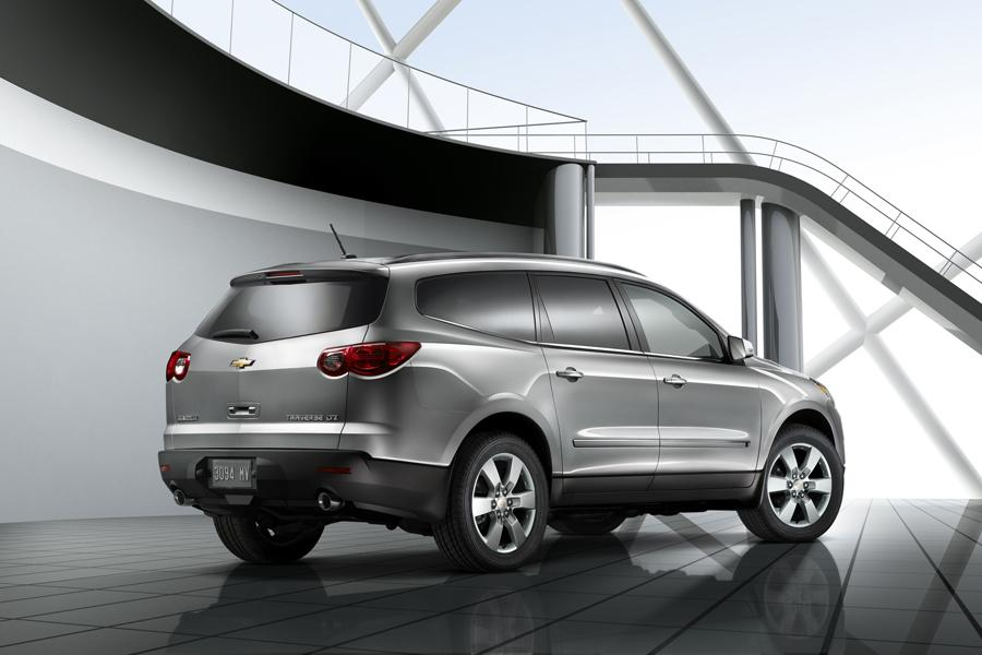 2009 chevrolet traverse reviews specs and prices. Black Bedroom Furniture Sets. Home Design Ideas