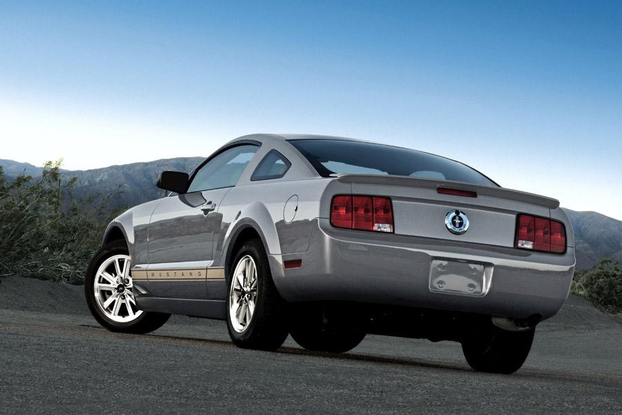 2009 Ford Mustang Reviews Specs And Prices Cars Com