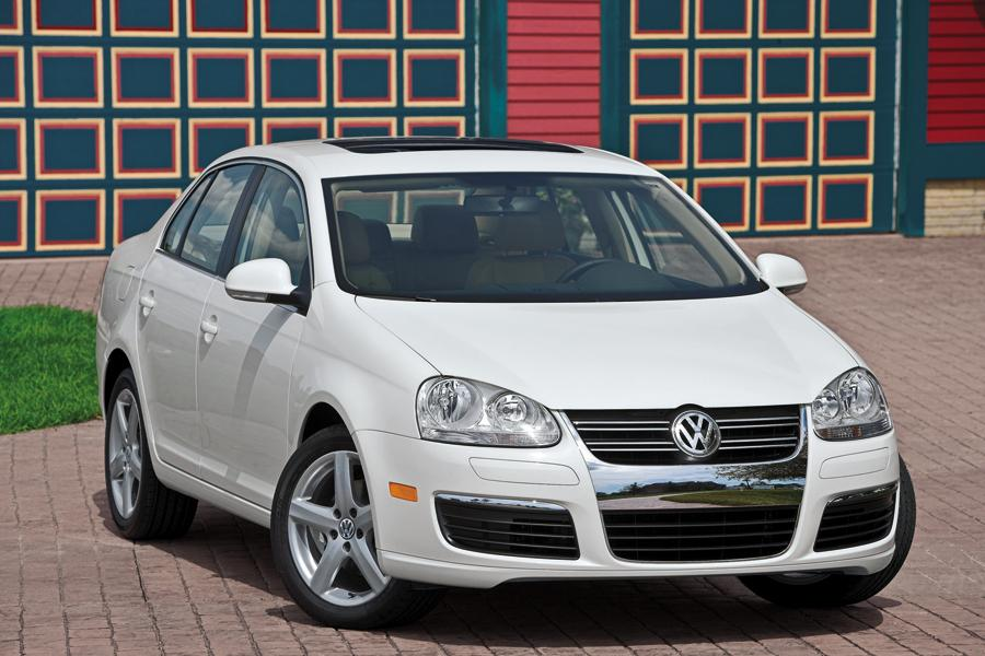 volkswagen jetta reviews specs  prices carscom