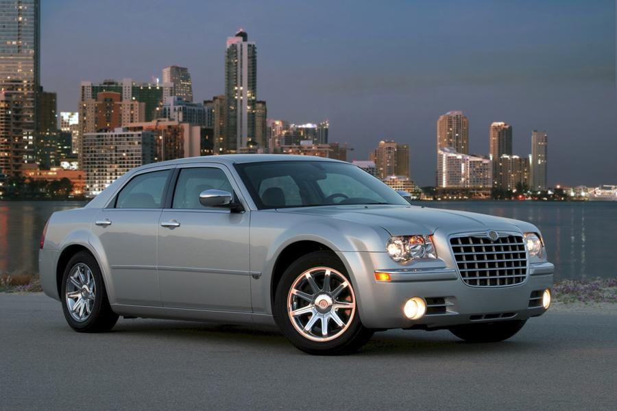 2009 chrysler 300 reviews specs and prices. Black Bedroom Furniture Sets. Home Design Ideas