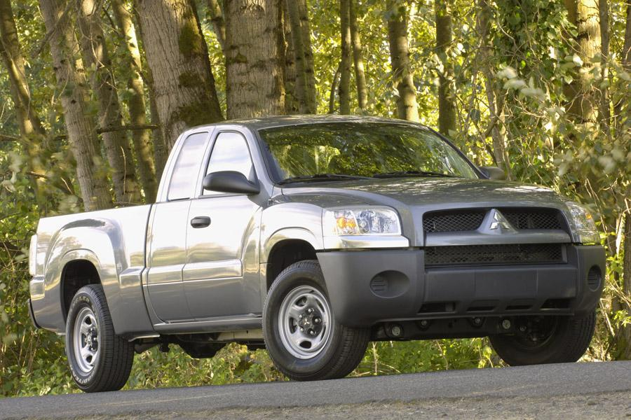 2009 mitsubishi raider reviews specs and prices. Black Bedroom Furniture Sets. Home Design Ideas