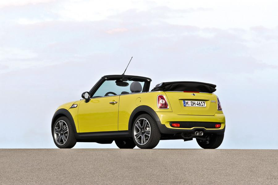 2009 mini cooper s reviews specs and prices. Black Bedroom Furniture Sets. Home Design Ideas