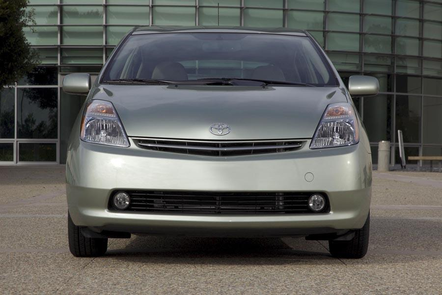 2009 Toyota Prius Reviews Specs And Prices Cars Com