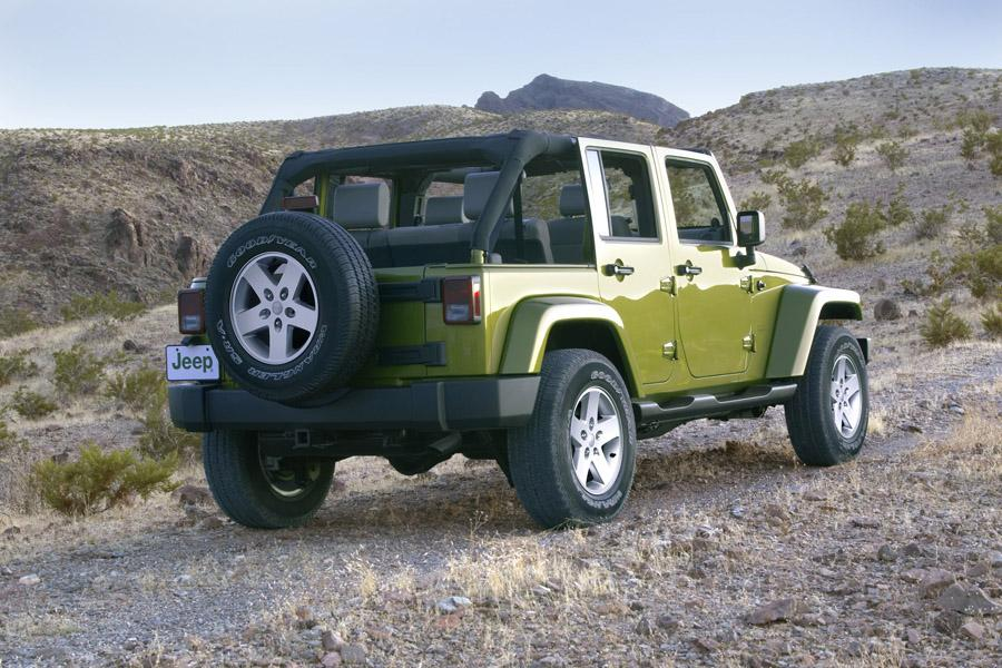 2009 jeep wrangler unlimited reviews specs and prices. Black Bedroom Furniture Sets. Home Design Ideas
