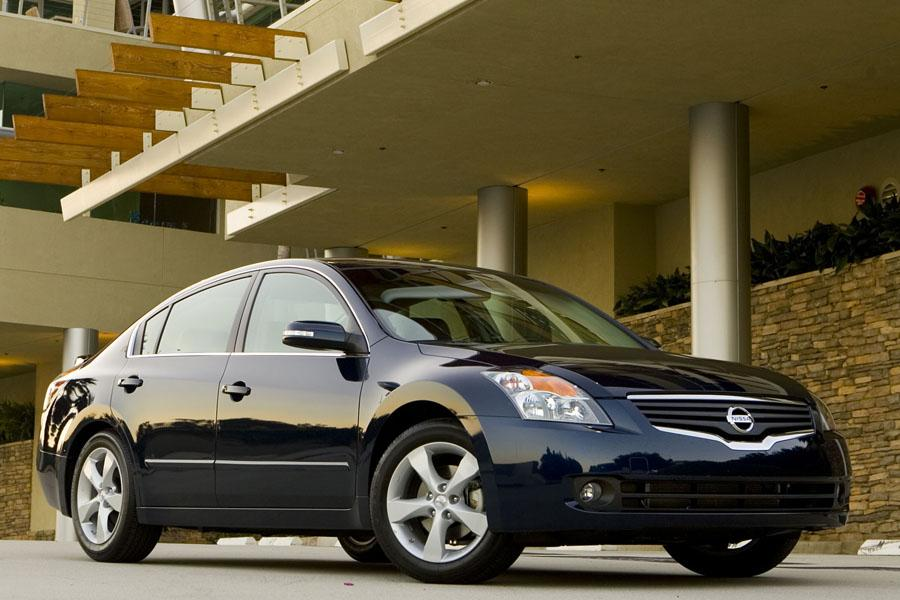 2009 nissan altima specs pictures trims colors. Black Bedroom Furniture Sets. Home Design Ideas