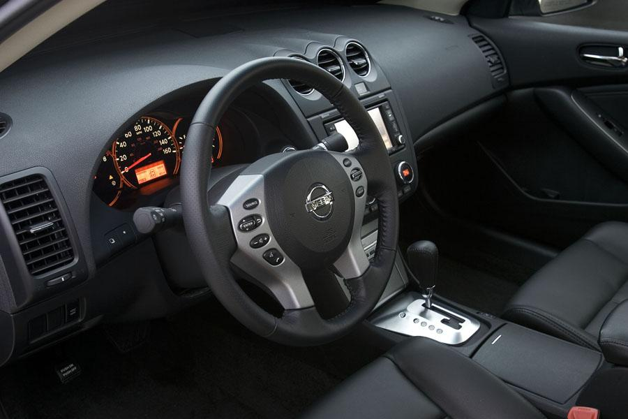 2009 nissan altima reviews specs and prices. Black Bedroom Furniture Sets. Home Design Ideas