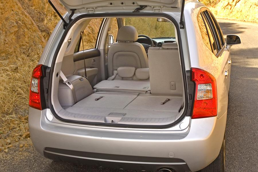 2009 kia rondo reviews specs and prices. Black Bedroom Furniture Sets. Home Design Ideas