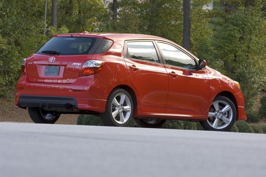 2010 Toyota Matrix Reviews Specs And Prices Cars Com