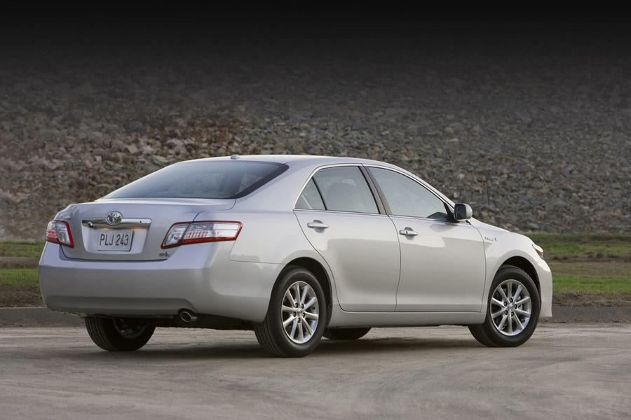 2010 Toyota Camry Hybrid Reviews Specs And Prices Cars Com