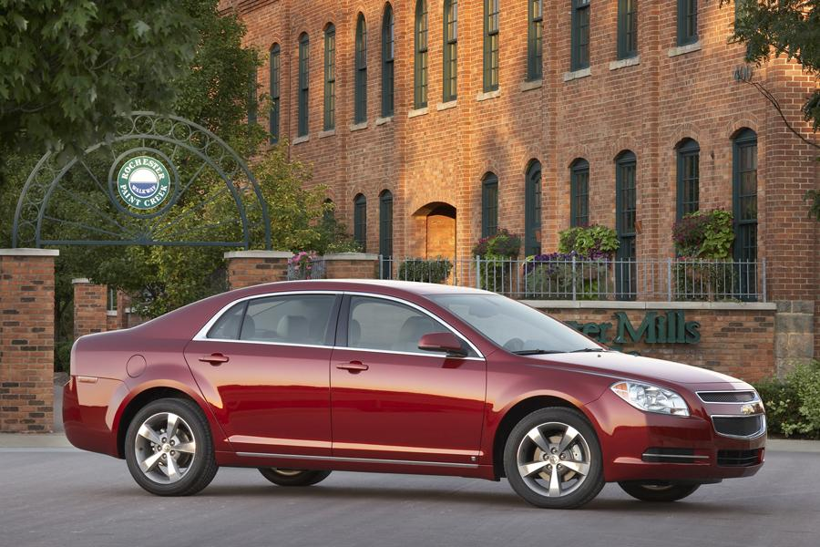 2010 chevrolet malibu reviews specs and prices. Black Bedroom Furniture Sets. Home Design Ideas