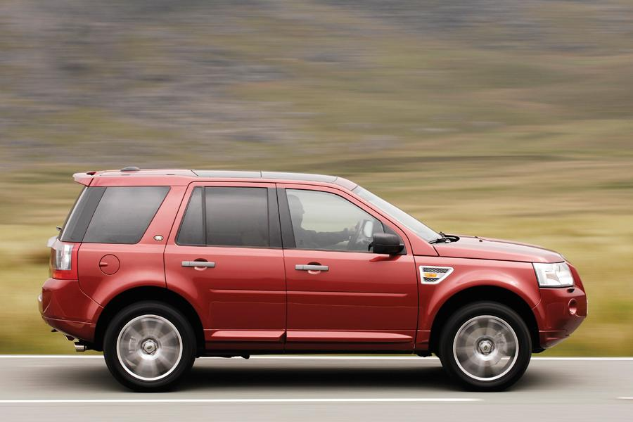 2010 Land Rover Lr2 Reviews Specs And Prices Cars Com