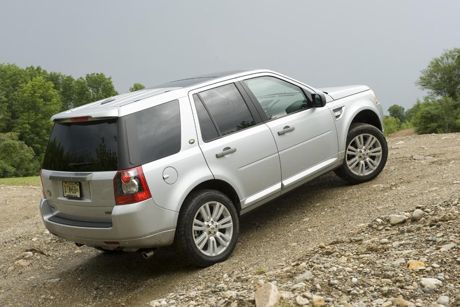 2010 land rover lr2 reviews specs and prices. Black Bedroom Furniture Sets. Home Design Ideas