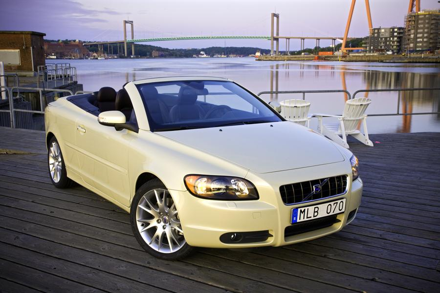 2010 volvo c70 reviews specs and prices. Black Bedroom Furniture Sets. Home Design Ideas