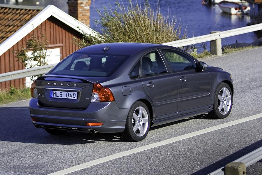 2010 volvo s40 reviews specs and prices. Black Bedroom Furniture Sets. Home Design Ideas